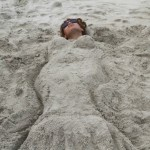 Buried-in-Sand-Beyonce-2