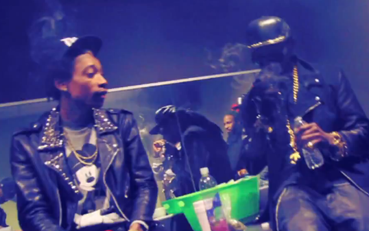 2-Chainz-Brings-Out-Wiz-Khalifa-Live-In-Pittsburgh