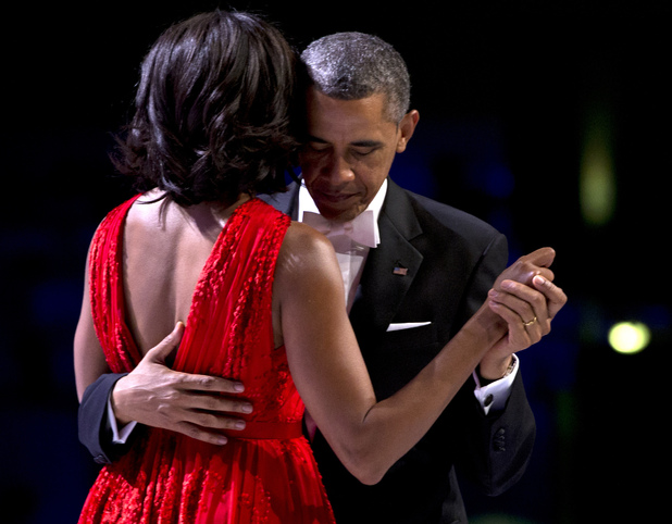 showbiz-barack-obama-michelle-obama-first-dance