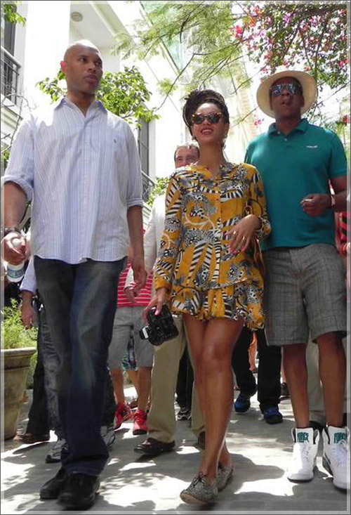 beyonce-and-jayz-in-cuba_500x733