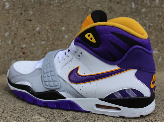 IFWT_nike-air-trainer-sc-ii-high-vikings-3