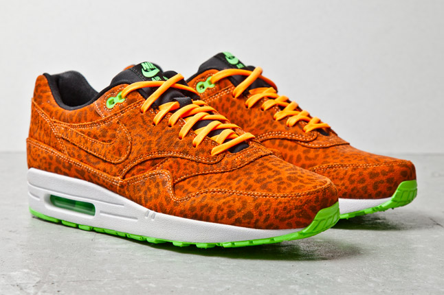 nike-air-max-1-fb-orange-leopard-3