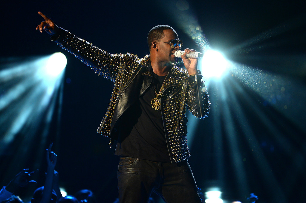 R+Kelly+2013+BET+Awards+Show+FNkGmmFgh8Sx