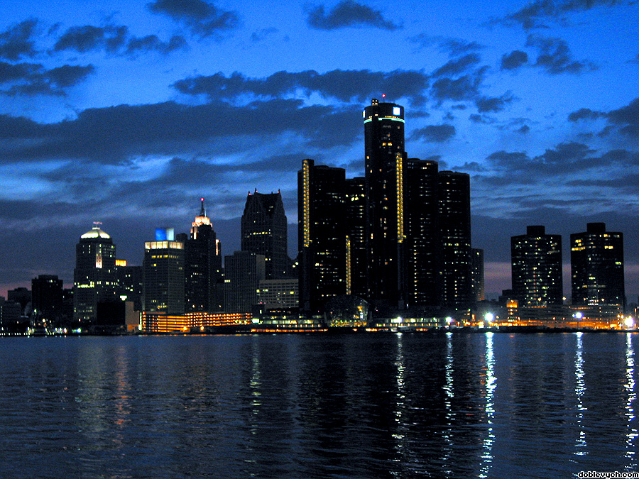 detroit_skyline_dramatic_900x675