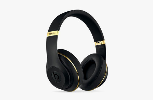 Alexander-Wang-x-Beats-by-Dr-Dre-01