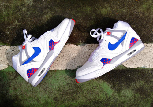 nike-air-tech-challenge-ii-white-blue-red
