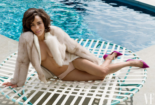 536aa0506ae42e3674048f7f_paula-patton-vanity-fair-ss011