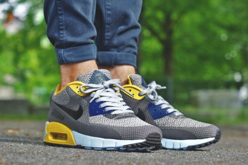 nike-air-max-90-paris-quickstrike-1-700x466