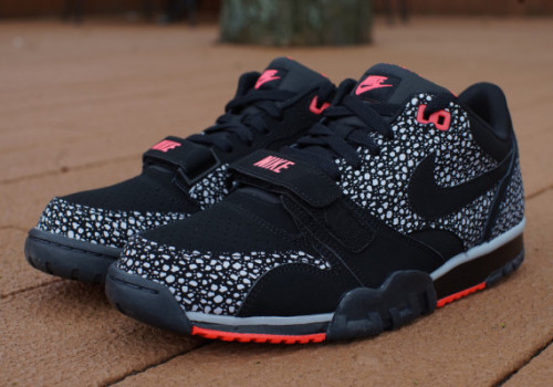 nike-air-trainer-1-low-st-laser-crimson-available-01-570x400