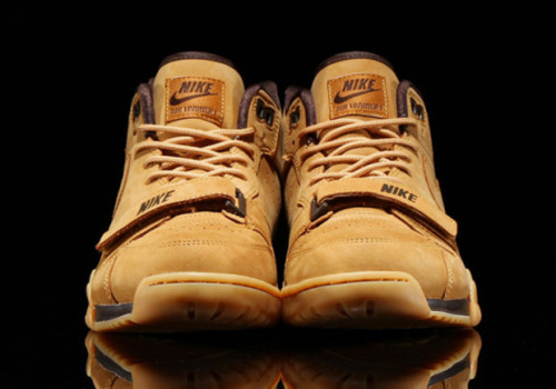 nike-air-trainer-1-mid-prm-qs-wheat-01-620x435
