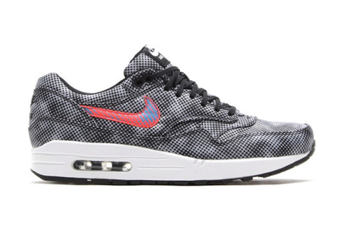 nike-air-max-1-fb-qs-black-bright-crimson-white-blue-lagoon-1